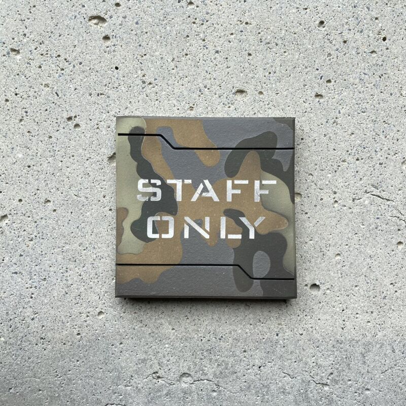 画像1: 迷彩柄【STAFF ONLY】 (1)